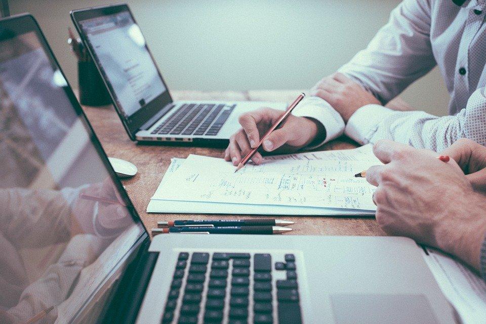 A consultoria comercial proporciona transações mais seguras